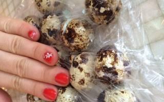 Как быстро разбивать перепелиные яйца